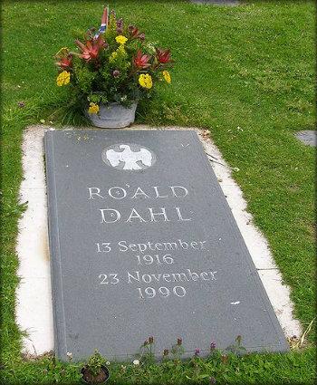 Roald Dahl grave